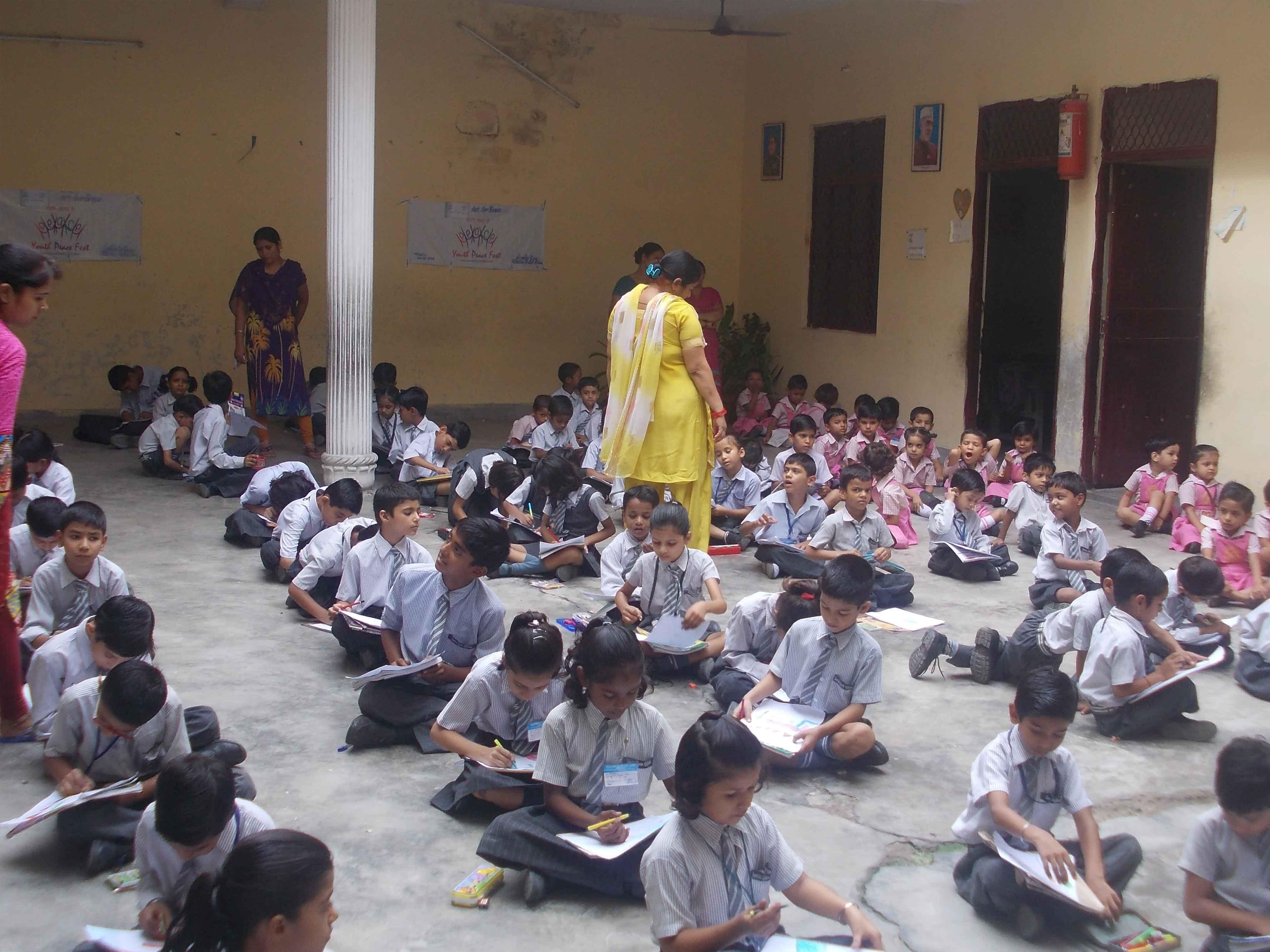 Sunita Gyan Niketan Public School (Roshanpura) (1)