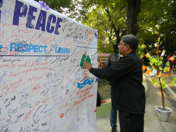 YPF Sign for Peace at Kanpur Zoo (3)