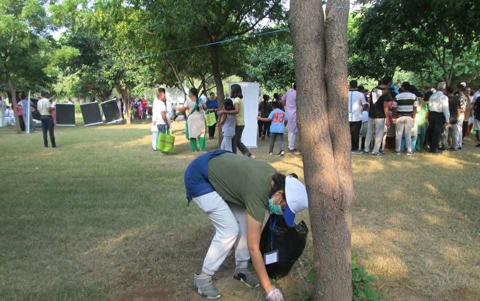 Swachhta Campaign Conducted by YPF in Janakpuri District Park, New Delhi