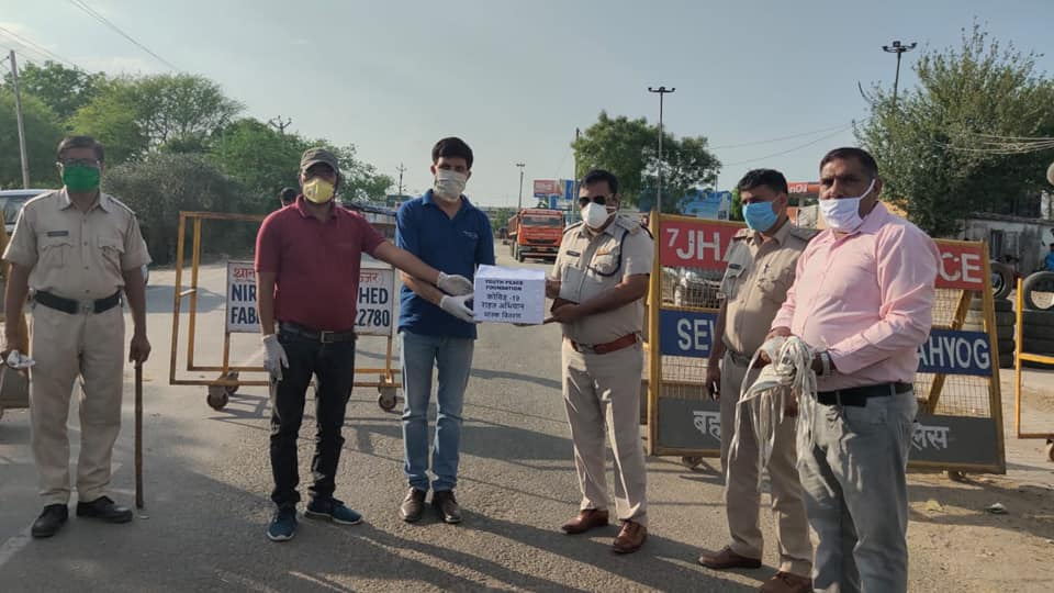 YPF Team Bahadurgarh distributed washable masks to Police Administration